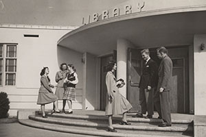 students in front of Pepperdine College library 1948