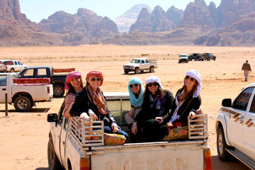 Seaver students visiting the Sahara desert