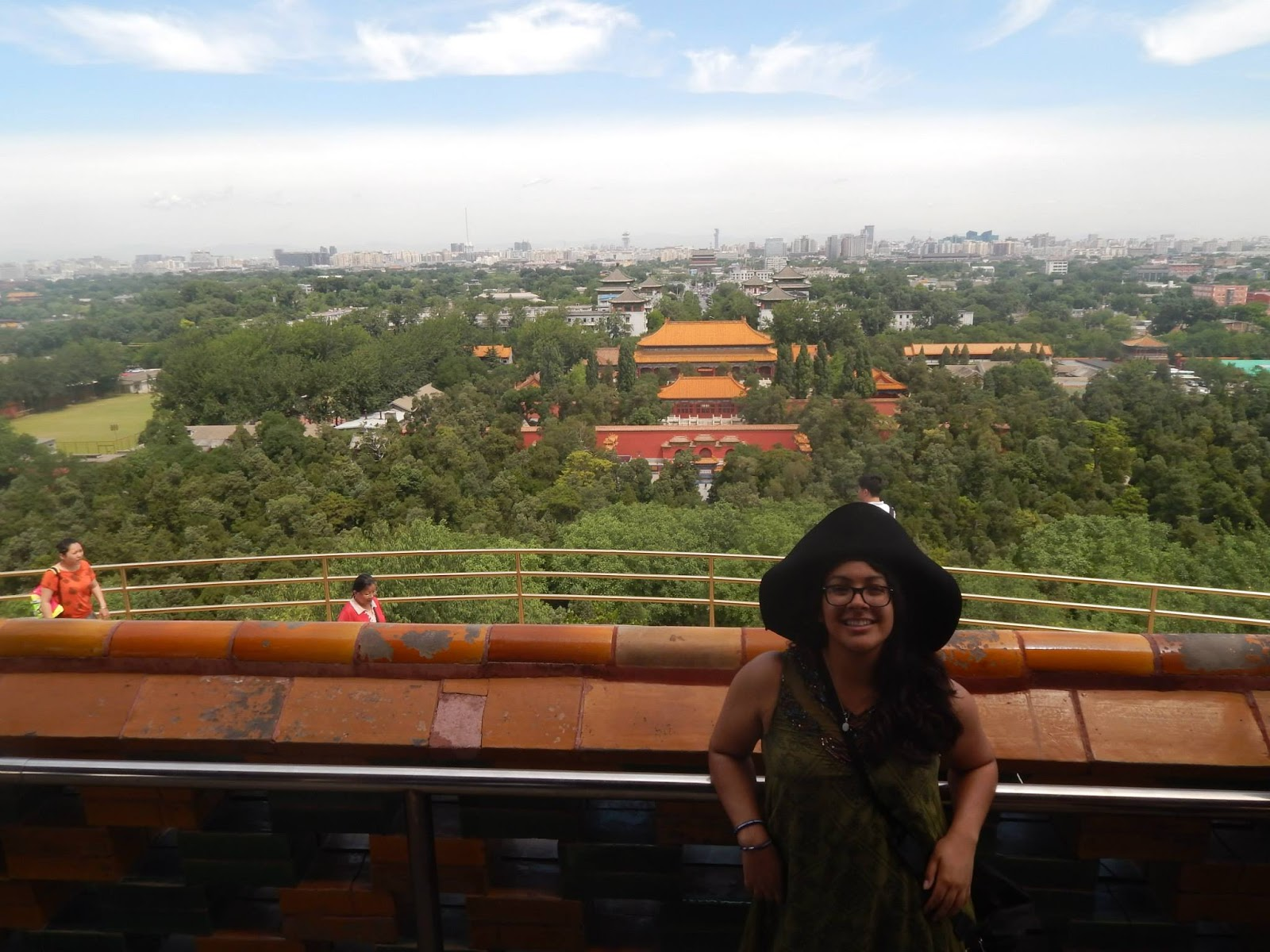 Seaver student Kelly Rodriguez in China