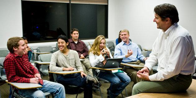 Ed Larson and American Studies graduate students in seminar
