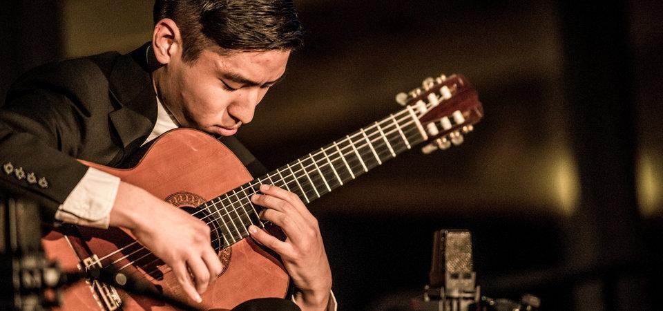 Pepperdine Seaver music student playing classical guitar