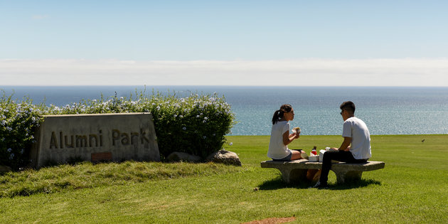 two students at Pepperdine Alumni Park